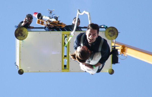tandem-bungee-jumping-duesseldorf-zusammen