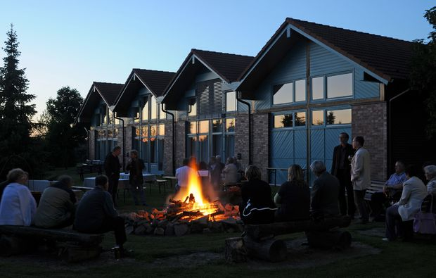 zauberhafte-unterkuenfte-sandersdorf-brehna-lagerfeuer