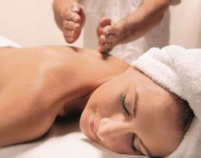 Das Schönheits- programm für Sie   Pforzheim Gesichtsbehandlung, Rückenmassage, Hand- und Fußmassage