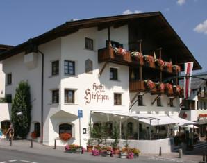 hotel-im-sommer