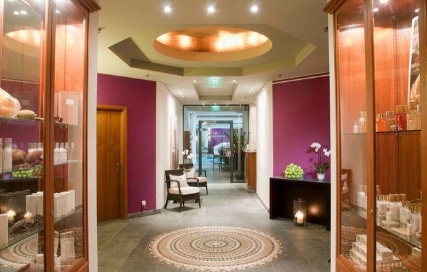 spa lounge in m nchen als geschenkidee mydays. Black Bedroom Furniture Sets. Home Design Ideas