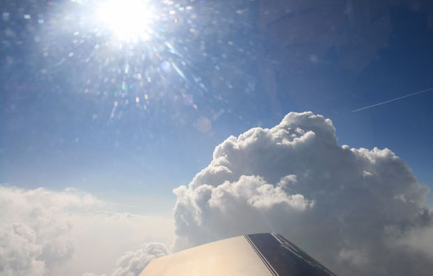 privatrundflug-mit-flugtheorie-grefrath-sonne