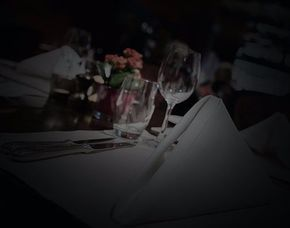 Dinner in the Dark - 3-Gänge-Menü 3-Gänge-Menü, inkl. Begrüßungsprosecco