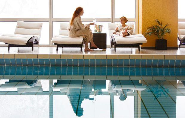 kuschelwochenende-lenzkirch-pool