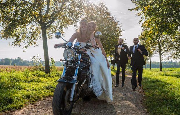 hochzeitsfotograf-neubiberg-motorrad