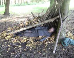 Wildnis-Wochenende - Survival-Grundkurs 2 Tage Werkzeug Herstellung, Feuermachen, Notunterkunft Errichtung
