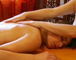 Schönheitsprogramm für Sie Ganzkörpermassage, Gesichtsbehandlung