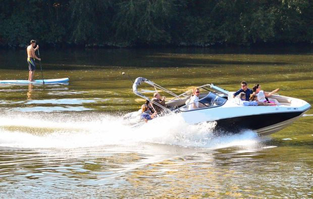 speedboot-fahren-frankfurt-am-main-abenteuerlich