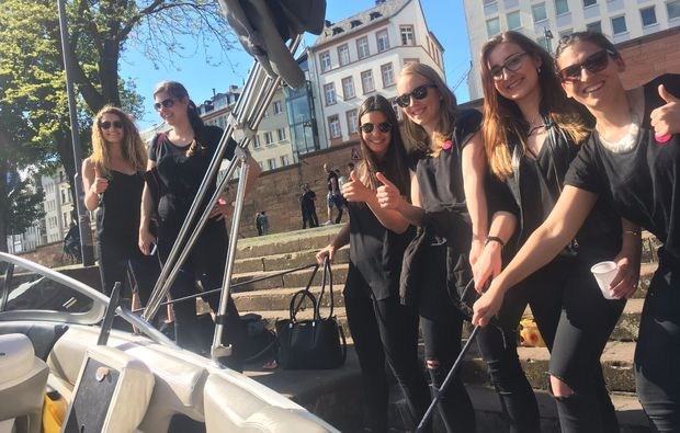speedboot-fahren-frankfurt-main-erlebnis