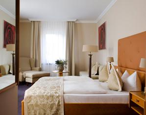 Entspannen & Träumen - Meerane Romantik Hotel Schwanefeld - Sekt-Frühstück am Bett