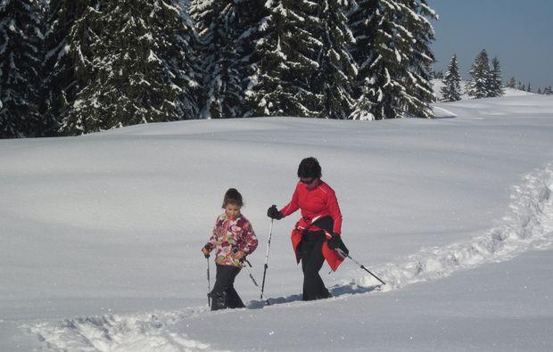 schneeschuh-wanderung-schliersee-schnee
