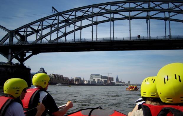 schlauchboot-tour-koeln-fahren