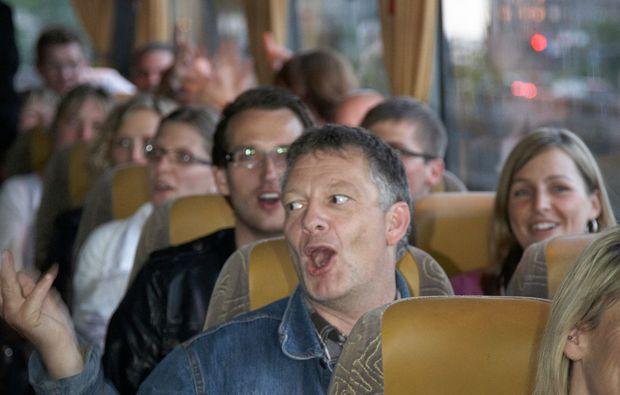 comedy-stadtfuehrung-koeln-bus-inside