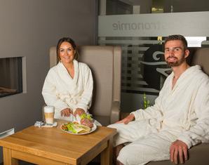 Wellnesstag für Zwei Tageskarte Saunalandschaft, Entspannungsbad, Auszeit-Massage