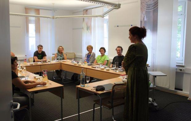 kraeuterwanderung-bayreuth-seminarraum