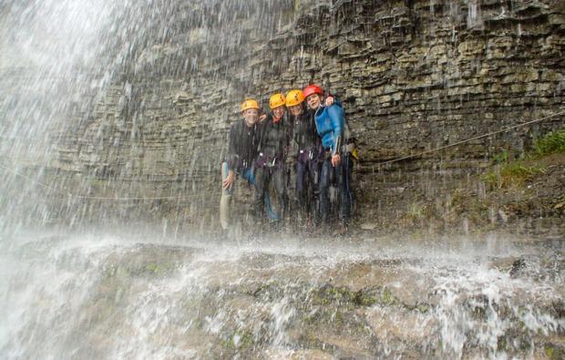 canyoning-tour-garmisch-canyoning-tour-garmisch-partenkirchen-und-umgebung-wasserfalle-bg9