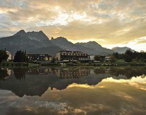 Lost in Paradise für Zwei Ritzenhof Hotel & Spa am See - 5-Gänge-Menü, Teilkörpermassage