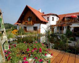 1-zauberhafte-unterkunft-huegellandhof-uitz-neuhaus