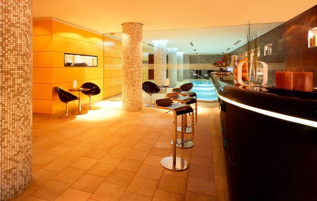spa wellness oasen im radisson blu in berlin als geschenk mydays. Black Bedroom Furniture Sets. Home Design Ideas