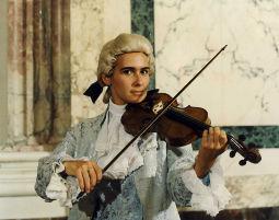 37_Musician_Violin
