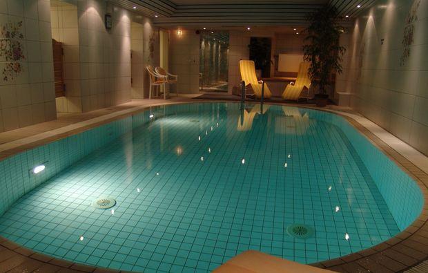 staedtereise-duesseldorf-pool