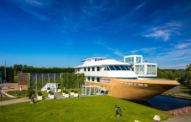 aussergewoehnlich-uebernachten-mill-wellnessboot