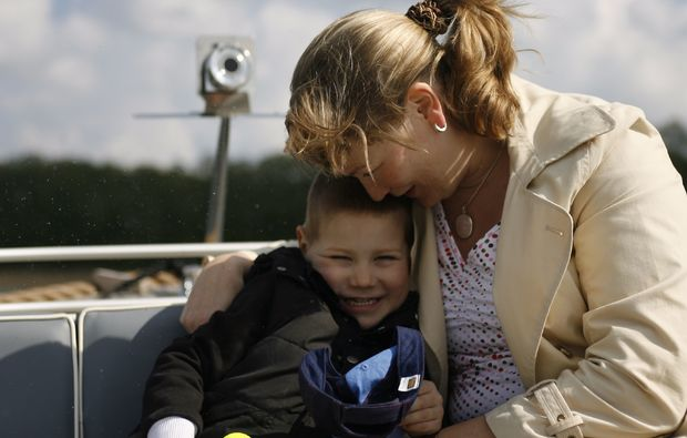 motorboot-fahren-neuruppin-familie