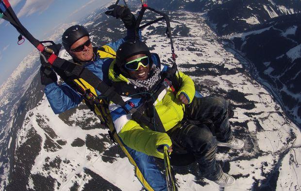 gleitschirm-tandemflug-saalbach-hinterglemm-berge