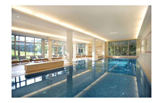 wellness-wochenende-deluxe-potsdam-pool