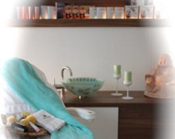 Romance-Wellness für Paare Pediküre, Gesichtsmassage, Obst, Glas Sekt