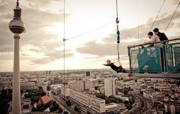 base-flying-berlin-alexanderplatz