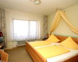 6-zauberhafte-unterkunft-burgblick-thallichtenberg