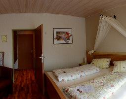 7-zauberhafte-unterkunft-burgblick-thallichtenberg