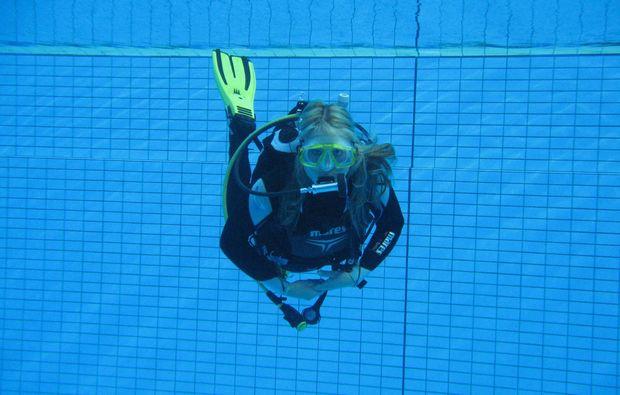 open-water-diver-muenchen-schwimmen