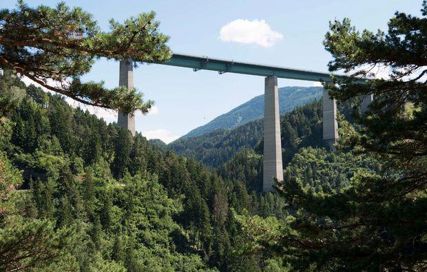bungy-jumping-europabruecke-europabruecke-bei-innsbruck-adrenalin
