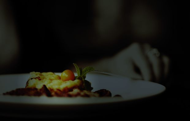 dinner-in-the-dark-hamburg-dark