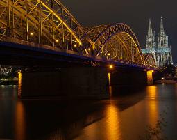 Foto-Tour Hohenzollernbrücke, Philharmonie und Kölner Dom, ca. 3 Stunden