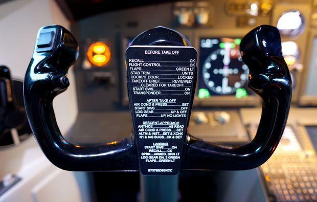 flugsimulator-frankfurt-am-main-b737-steuerung