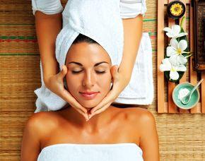 Wellnesstag für Sie Gesichtsbehandlung, Maniküre, Pediküre