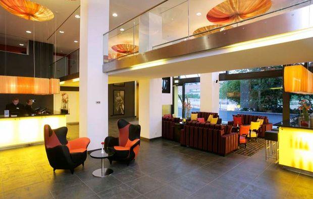 romantikwochenende-muenchen-lobby