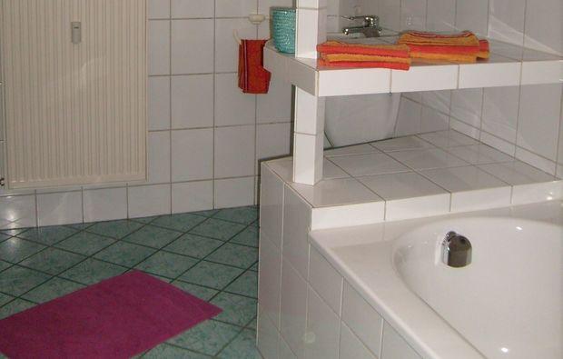 gesichtsmassage-oberhausen-badezimmer