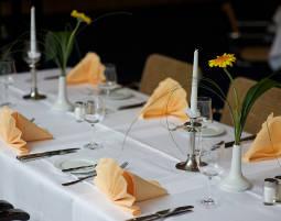 Kleine Köstlichkeiten für Zwei Streifzug durch die Speisekarte, inkl. 1 Glas Prosecco oder 1 Berliner Kindl