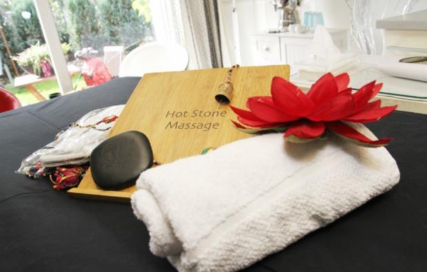 hot-stone-massage-westoverledingen-wohlfuehlen