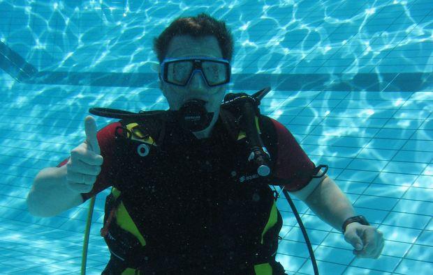 tauchschnupperkurs-coburg-pool