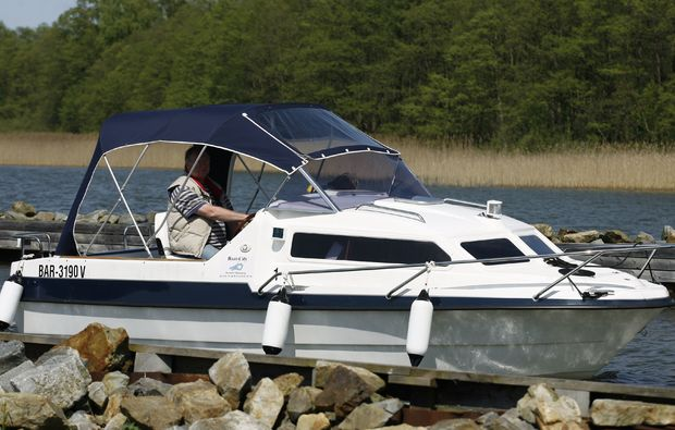 motorboot-fahren-neuruppin-see