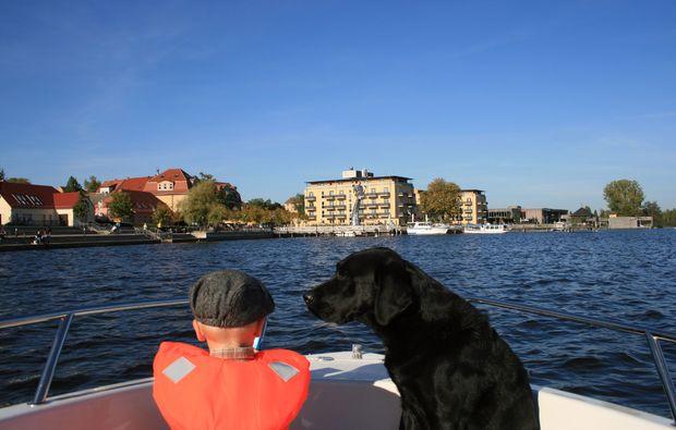 motorboot-fahren-neuruppin-wasser
