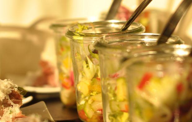 candle-light-dinner-fuer-zwei-steyr-salat