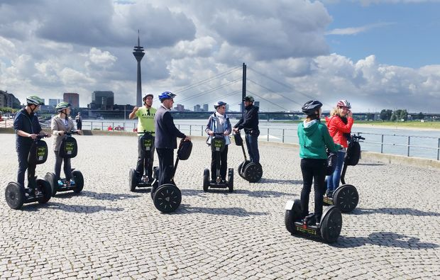 segway-city-tour-duesseldorf-sightseeing