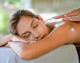 Bild Ganzkörpermassage - Ganzkörpermassage : Wohlbefinden für Körper und Geist