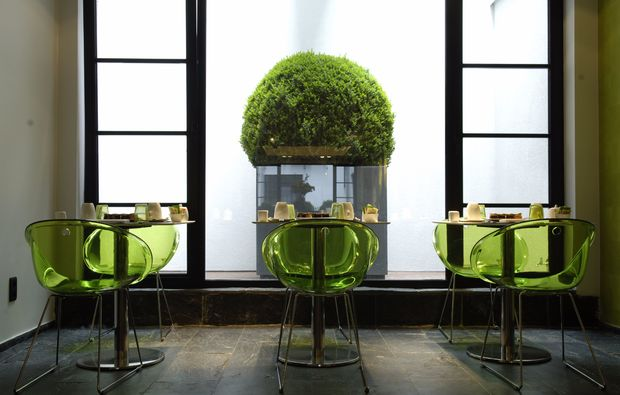 design-boutique-hotels-bruessel-esszimmer-ausblick